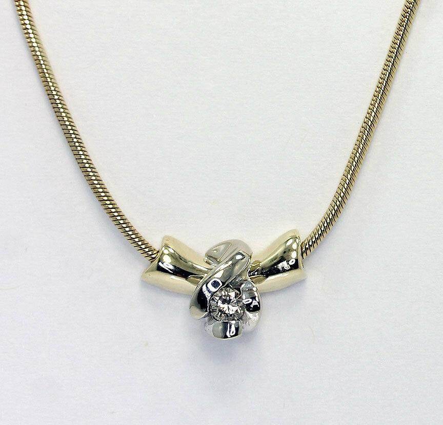 Diamond solitaire sculpted pendant necklace